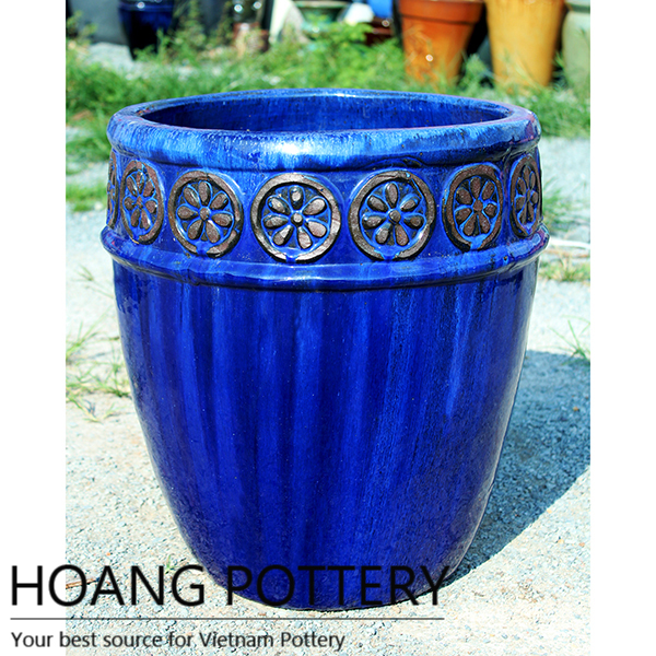 Cobalt glazed ceramic pots  – a fresh astmosphere for spaces