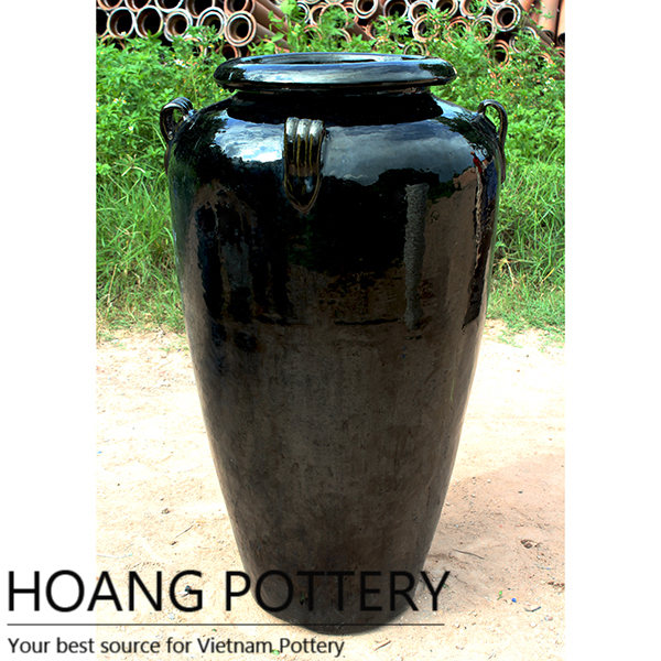 Luxury and modernity with black glazed ceramic pots  - the highlight for green spaces